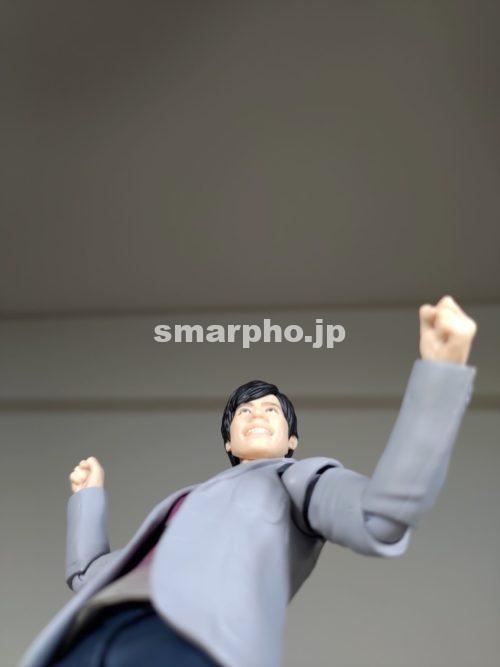 ZenFone6_フィギュアレンズ下