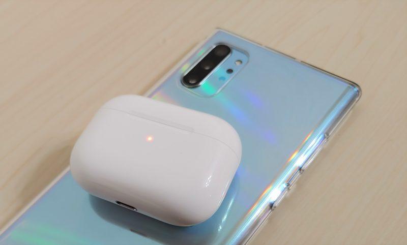 GalaxyNote10+_AirPodsPro充電中